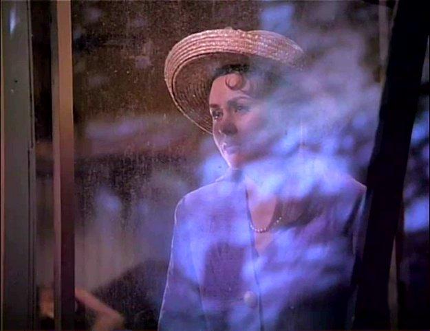 Mitsou dans la scène finale du film Coyote de Richard Ciupka (image tirée du film - coll. filmsquebec.com)