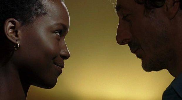 Fatou NDiaye et Luc Picard dans Un dimanche à Kigali de Robert Favreau