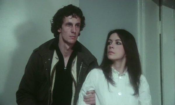 Mathieu Carrière et Carole Laure dans Born for Hell de Denis Héroux