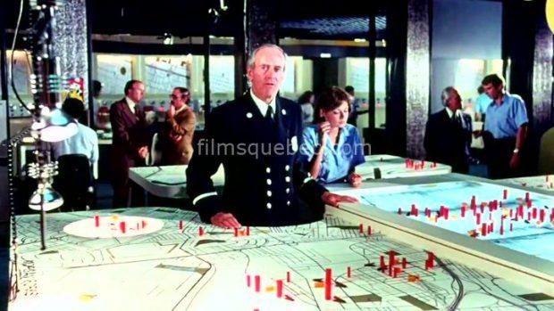 Henry Fonda, directeur des pompiers dans le film catastrophe City on Fire de Alvin Rakoff (image extraite du film - Collection filmsquebec.com - Reproduction interdite sans autorisation)
