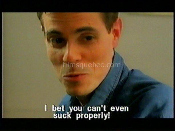Image du cinéaste Simon Boisvert dans la comédie satirique Des gars, des filles et un salaud de Diana Lewis (capture VHS)