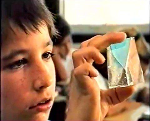 Nuno Da Costa dans le film Manuel, le fils emprunté de François Labonté (capture VHS, ©filmsquebec.com)
