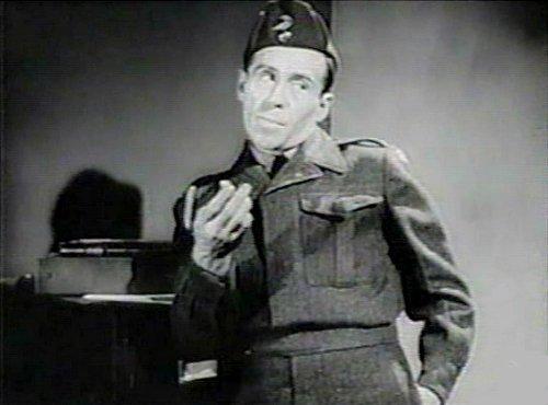 Image de l'auteur et comédien Gratien Gélinas dans Tit-Coq (image extraite du film - collection filmsquebec.com)