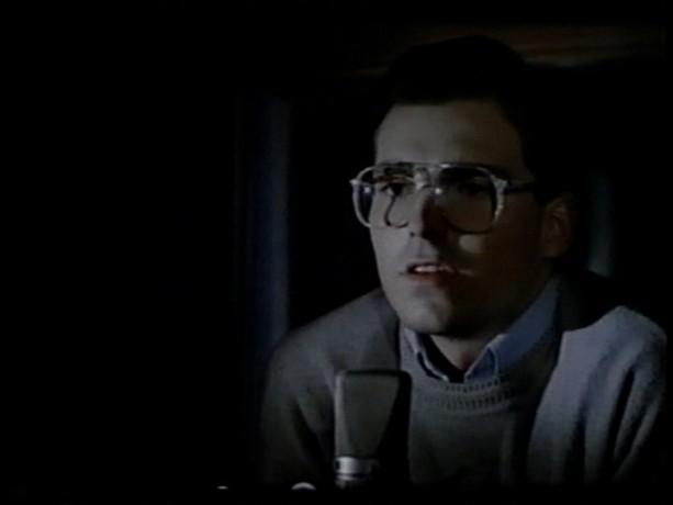 Bruno Doyon dans le film The Morning Man de Danièle J. Suissa - dans la séquence finale, il annonce son départ de la radio - (Source: collection personnelle)