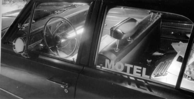 Image représentant un décor du film Motel (Pascal Maeder) - Installation au Cinéma Parallèle (Photographe : Luc Senécal)