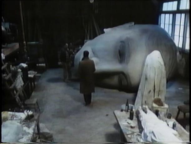 Extrait du film Scanners (D. Cronenberg) - Vale rencontre l'artiste qui parvient à échapper à ses tortures mentales grâce à son art (source: collection personnelle)