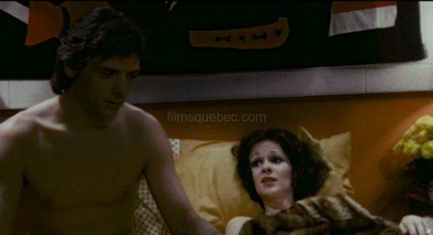 Han Masson et Donald Lautrec (La pomme, la queue et les pépins) - Image extraite du film (on les voit tous les deux au lit, en train de s'expliquer)