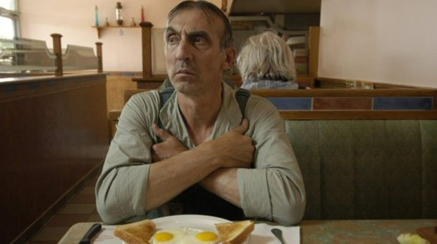 Gaston Lepage dans Que Dieu bénisse l'Amérique (Christal Films)