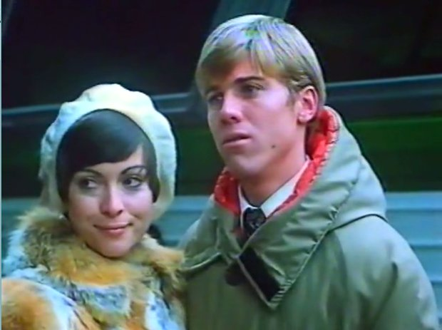Image extraite du film Yesterday (Gabrielle) Claire Pimparé et Vincent van Patten se séparent pour les fêtes de Noël