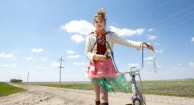 Julia Stone dna sle film québécois The Year Dolly Parton Was My Mom (Photo Rebecca Sandulak)
