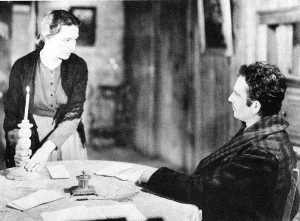 Image promotionnelle du film Un homme et son péché (Paul Gury, 1949) : Donalda (Nicole Germain) et Alexis (Guy Provost) - (Coll. Cinémathèque québécoise)