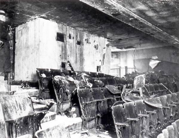 La salle du Laurier Palace après l'incendie du 9 janvier (Coll. Cinémathèque québécoises)