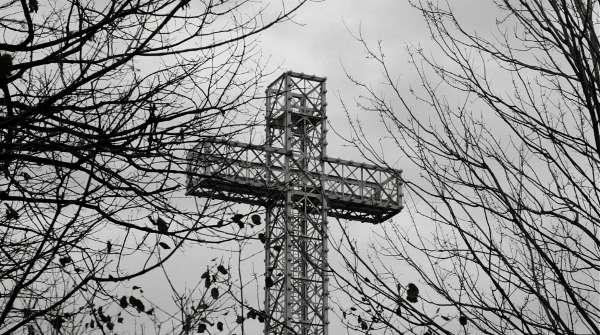 La croix du Mont Royal dans Le météore de François Delisle (Films 53/12)