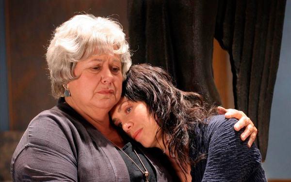 Ginette Reno et Céline Bonnier Prod LE SECRET DE MA MERE de Ghyslaine Côté 2006 (© Remstar Productions)