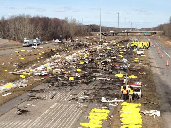 Tournage du crash d'avion à Trois-Rivières pour Miraculum (source: Page Facebook du film).