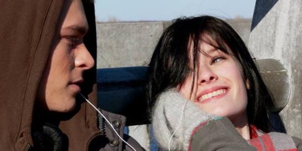 Chloé Bourgeois et Maxime Dumontier dans Tout est parfait de Yves-Christian Fournier (2008)