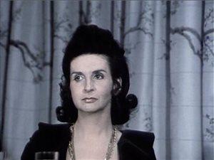 Hélène Loiselle dans le film Réjeanne Padovani (D. Arcand)