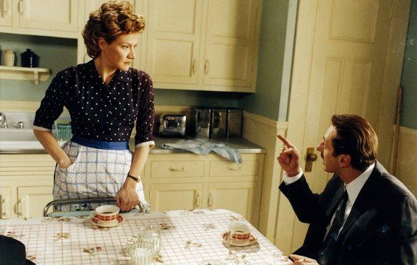 Élise Guilbault et Luc Picard dans La femme qui boit (Bermard Émond, 2001 - ©ACPAV)