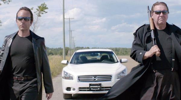 Éric Salvail et Rémy Girad dans Hot Dog (Marc-André Lavoie, dist. Films Séville, 2013)