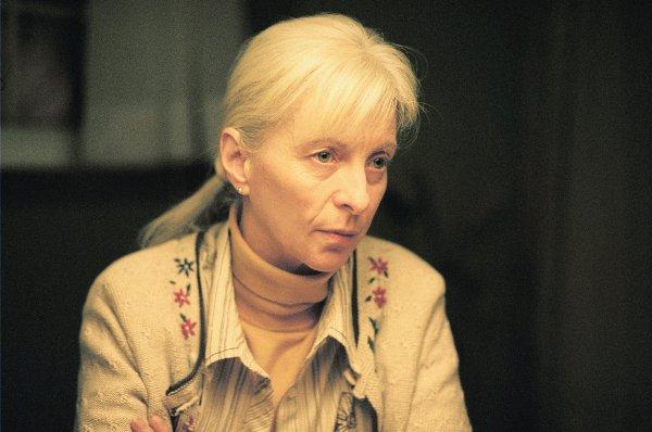 Image de la comédienne Lise Roy qui est Agathe dans Tom à la ferme de Xavier Dolan (image : Clara Palardy)