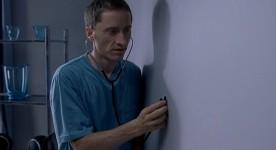 Emmanuel Bilodeau dans le court métrage L'Écouteur (Kester Dyer)