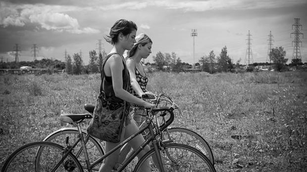 Tu dors Nicole de Stéphane Lafleur (Julianne Côté, Catherine St-Lauren) - ©Films Séville