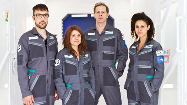 Jean-Nicolas Verreault (Vincent Kohler), Julie Perreault (Andrea Sakedaris), Julien Deschamps Jolin (Jonathan Laforest), Nadia Essadiqi (Justine Roberval) : Le groupe d'astronautes de Projet M