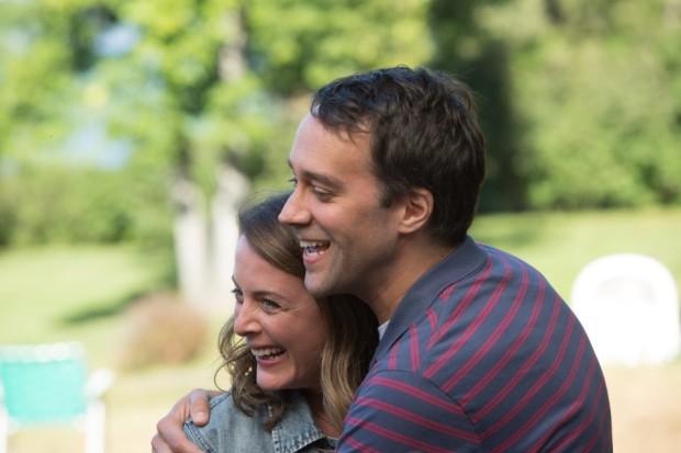 Image offielle des deux comédiens Julie LeBreton et François Létourneau dans Paul à Québec (source image : Remstar)