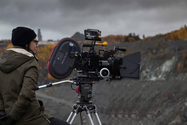 Chloé Robichaud durant le tournage du film Pays (photo Sébastien Raymond)