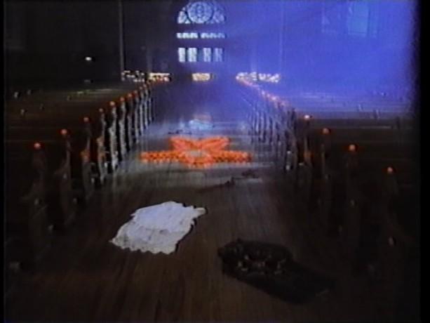 L'église dans Le chemin de Damas - Le curé est défroqué, il se livre au blues pour évacuer sa peine - (Source: collection personnelle)