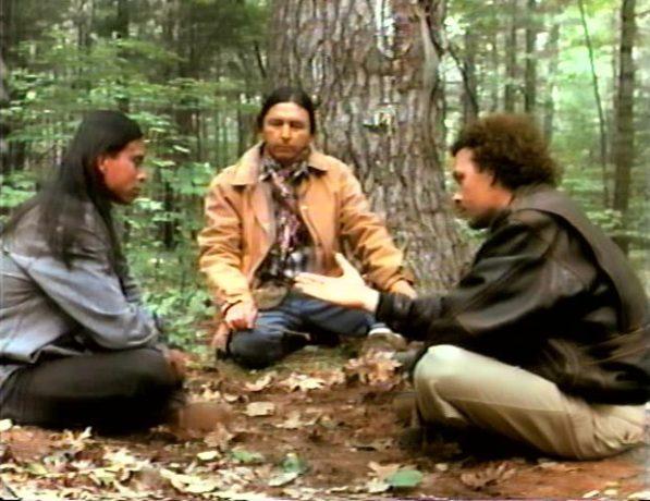 L'automne sauvage de Gabriel Pelletier - Minton (Serge Dupire) et l'indien (Raoul Trujillo) se réconcilie après 11 ans - (Capture VHS - ©filmsquebec.com)