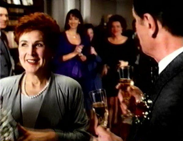 La vie fantôme de Jacques Leduc - La patronne de Laure (Rita Lafontaine) se trouve un compagnon - (Capture VHS - collection filmsquebec.com)