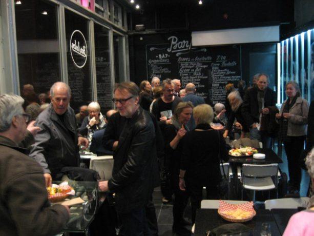 Hommage à Réal La Rochelle à la Cinémathèque québécoise - Cocktail - Sur la photo on reconnait à gauche, Denys Arcand et Yves Jacques - crédit photo Charles-Henri Ramond