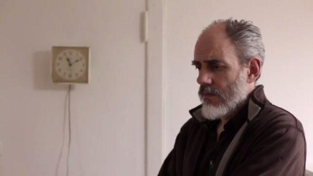 Image extraite du film Le concierge de Federico Hidalgo (Federico Hidalgo est le concierge des lieux) - Capture d'écran, source: filmsquebec.com