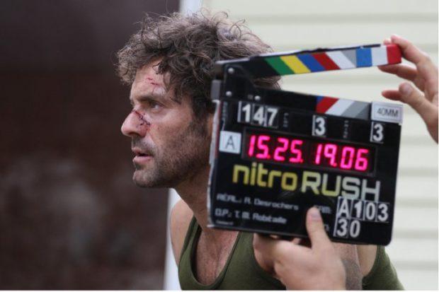 Image du tournage du film d'Alain Desrochers Nitro-Rush - Guillaume Lemay-Thivierge et claquette (source image : dossier de presse)