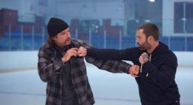 Image officielle du film Goon : le dernier des durs à cuire : on y voit deux comédiens en train de simuler une bagarre aux poings(source: Films Séville)