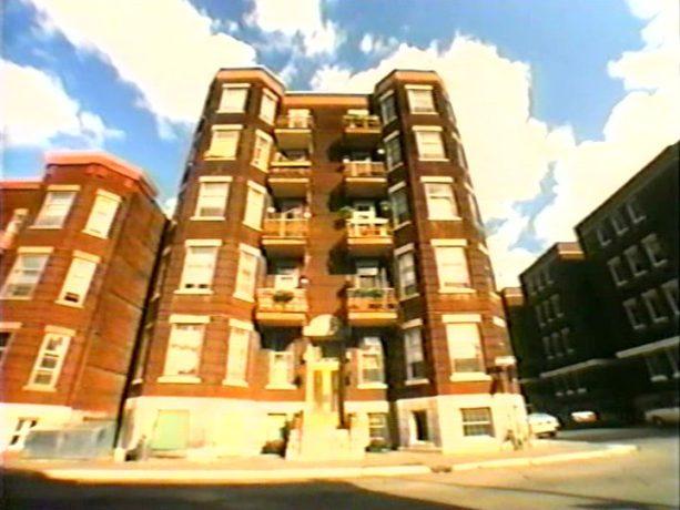 Image de l'immeuble utilisé pour le film Because Why d'Arto Paragamian