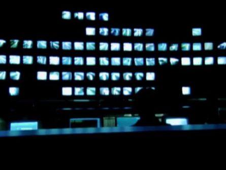 Image extraite du film L'homme trop pressé prend son thé à la fourchette de Sylvie Groulx (ONF)