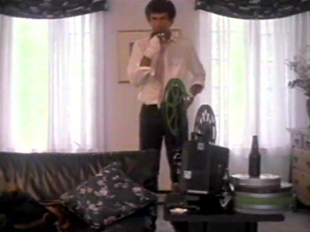 "Robert Morin est Earl Tremblay (image extraite du film ""Yes, Sir! Madame..."" - Coll. filmsquebec.com)"