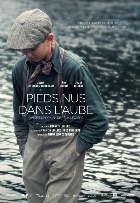 """Pieds nus dans l'aube - Film de Francis Leclerc - Affiche temporaire (fils) - Citation : """"Quand l'enfance devient un manteau trop étroit qu'il faut quitter"""""""
