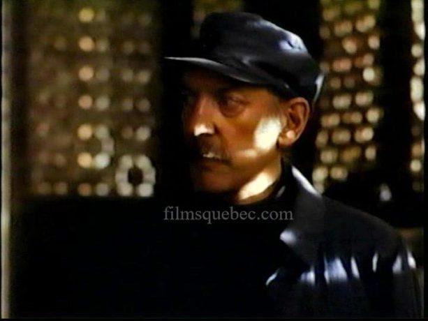 Photo du comédien Donald Sutherland dans Bethune: The Making of a Hero de Phillip Borsos (image extraite du film - Collection filmsquebec.com)