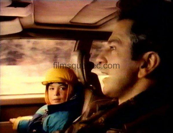 René Gagnon et Marc-André Grondin dans L'enfant sur le lac - Alexandre et son fils Christophe partent au chalet familial (Capture VHS - ©filmsquebec.com)