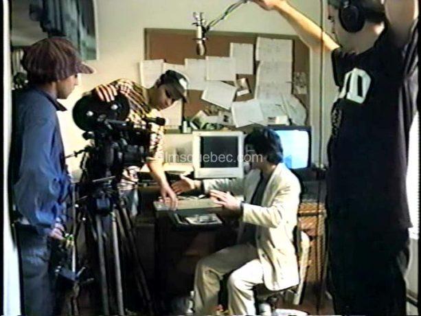 Claude Fortin filme le cinéaste Claude en train de filmer dans L'autobiographe amateur, une chronique humoristique de Claude Fortin