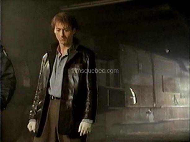 Luc Picard découvre le cadavre de son frère dans Le dernier souffle de Richard Ciupka (image extraite du film)
