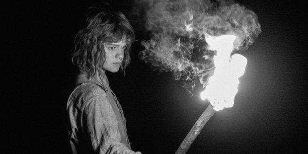 Image extraite du film La petite fille qui aimait trop les allumettes de Simon Lavoie (source: TIFF.net)