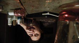 """Image renversée de Sophie Bédard Marcotte dans son film """"Claire l'hiver"""" (image fournie par la production)"""