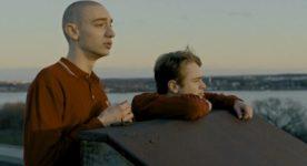 Images des jeunes acteurs Noah Parker et Théodore Pellerin dans le film Ailleurs de Samuel Matteau