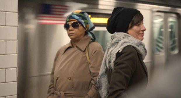 Pascale Bussieres dans Impetus de Jennifer Alleyn (photo prise dans le métro de New York)
