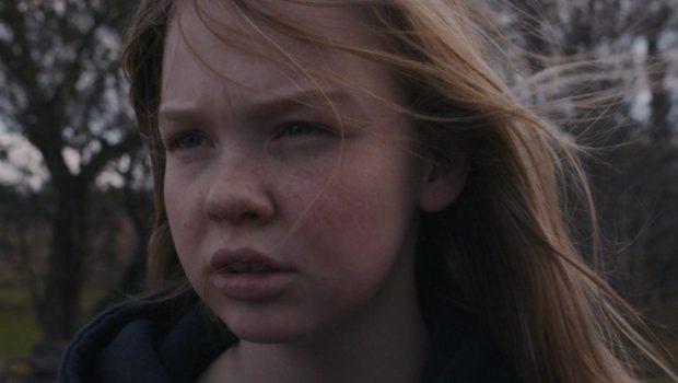 Visage de la jeune non-professionnelle Ève-Marie Martin dans le film Mad Dog Labine