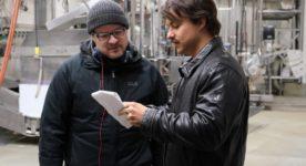 Podz dirige Marc-André Grondin sur le plateau de tournage de Mafia Inc.